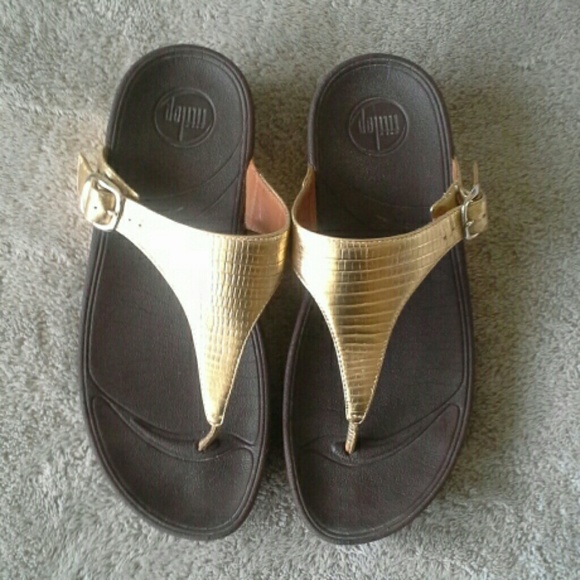 c6582d3aa216 Fitflop Shoes - FitFlop the Skinny Sandals Gold size 7
